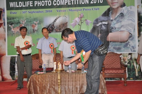 IFP Editor Pradip Phanjoubam inaugurating wildlife photo exhibition at Manipur Press Club
