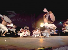 """Artists performing a traditional """"Pung cholom"""" during the Manipur Sangai tourism Festival organised by Tourism department at Hapta Kangjeibung Sunday. 2010-11-29 