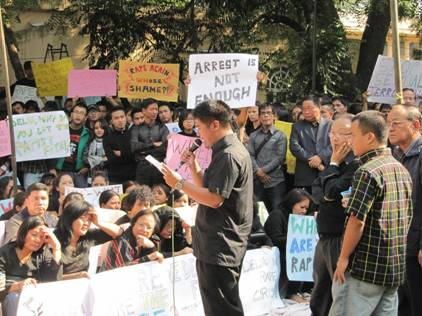 Thousands of North East Students Protested Delhi Gang Rape Case