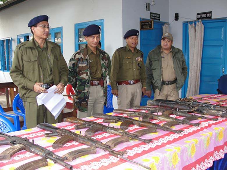 Seized arms and ammunitions being put on display before the media persons at Commando complex Imphal. 2010-12-09 | by : IFP Photo