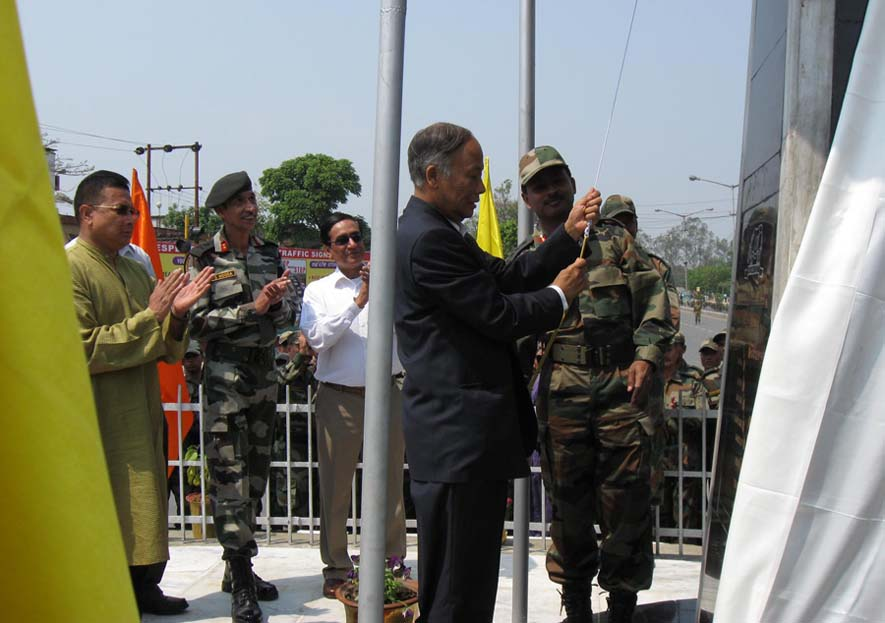 CM O. Ibobi Singh rededicating the Jessami war memorial while GOC IGAR(S) DS Hooda and other officials looked on, Monday. Jessami war memorial gorifies the exploits of the Assam Regiment during the II-World War and is located at Imphal.