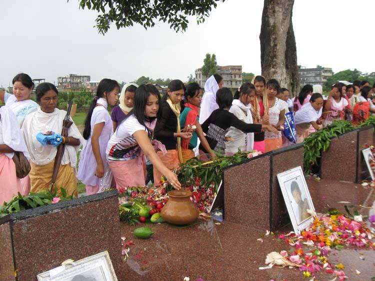 General public paying floral tributes at the Memorial complex of June 18 at Kekrupat.