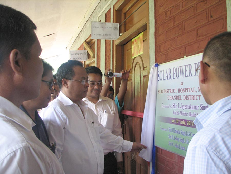 Minister Y. Jyantakumar during the inauguration of the solar power plant at the Moreh, sub-division hospital, on Saturday.