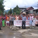People of Sadar Hills blocking NH-39 demanding full-fledged Sadar Hills district on Wednesday.