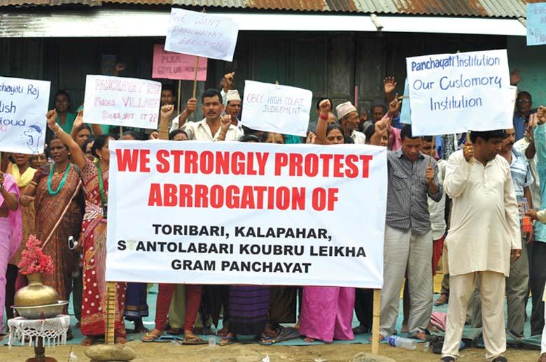 Nepalis up in arms against abolition of Kanglatombi Zilla Parishad on Tuesday