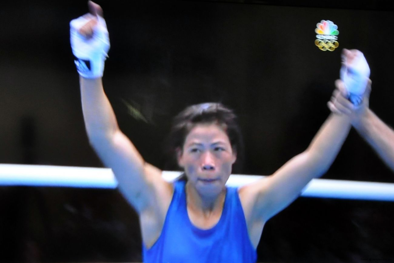 Super Sunday: Magnificient Mary Kom of Manipur charges into quaterfinals. Click to enlarge.