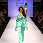 A model on the ramp showcase designer Sailex Ngairangbams creations at LFW (16)
