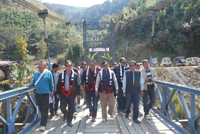 Minister Dr Kh Ratan Kumar and his team during the Tamenglong tour.