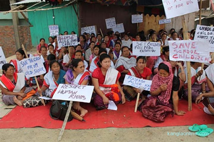 Womenfolk staging a sit in protest demanding safe release of 14 year old Alice Kamei on Wednesday.