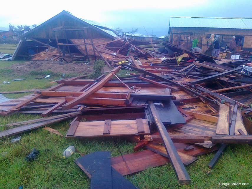 A house lies in wrecked after the hailstorm at CCpur on Friday