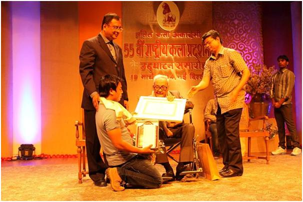 55th National Exhibition of Art, National Academy Award - 2014, Presented to Nongmaithem Nandaraj Singh by Sayed Haider Raza (S.H Raza ) eminent Artist, Organised by Lalit Kala Academy, New Delhi