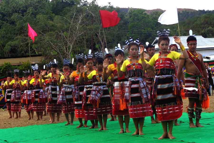 Kabui youths in traditional dresses preparing for a dance performance in Gaan Ngai festival.