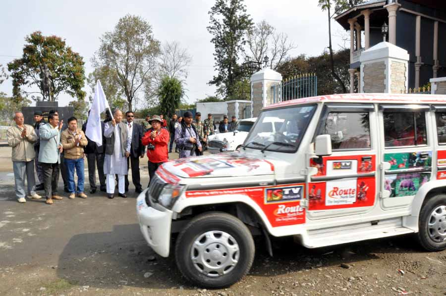 "CM Ibobi flags off ""Route NE"" of ISTV at Kangla on Sunday."