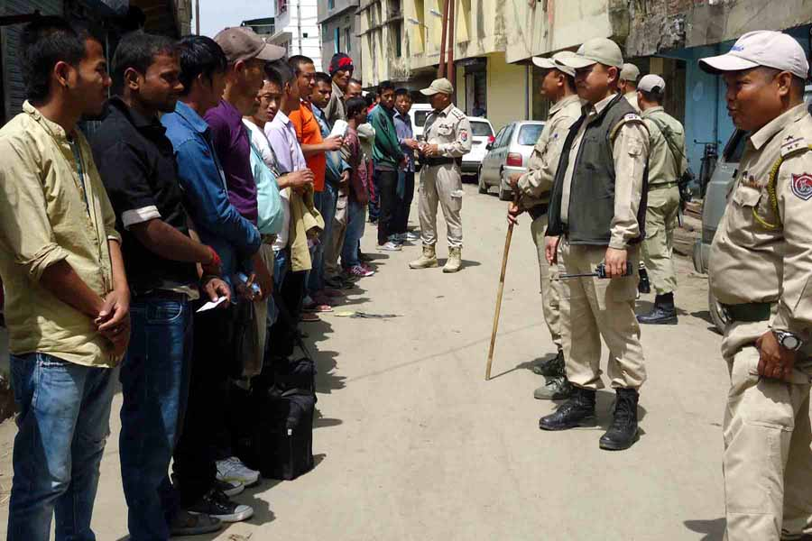 Manipur Frisking - Search operation at Thangal Bazar