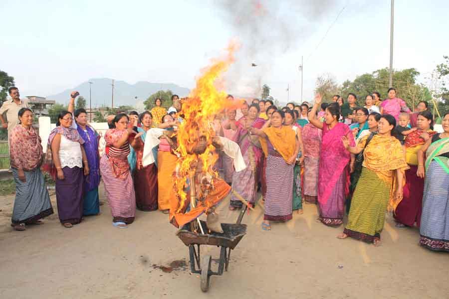 Disqualified MLA Bishwajit's supporters buring effigy of Speaker.