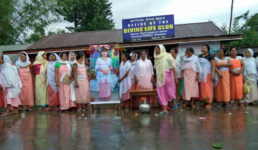 Womenfolk of Heirok protesting the alleged murder of Rebika.