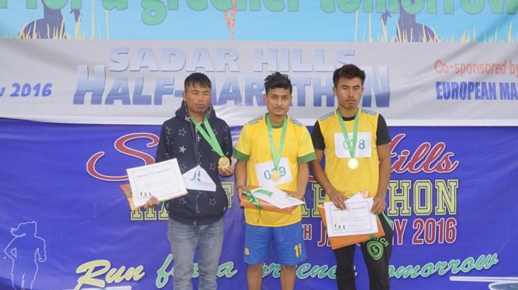 Boys winners: First - Prasand Timshina from Turi Bari. Second - Mangtinlal Kipgen from Changoubung. Third - Letminsei Haokip from L. Khomunnom.