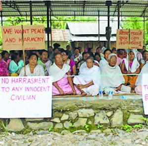 E-Front-__-Dharna-at-Awang-Sekmai-against-bomb-threat