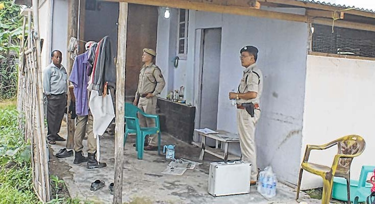E-Front-__-FSL-and-Police-envestigating-the-site-2-735x400