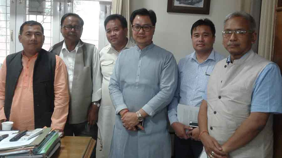 MoS Kiren Rijiju along with BJP Manipur leaders led by president Ksh Bhavananda. IFP Photo