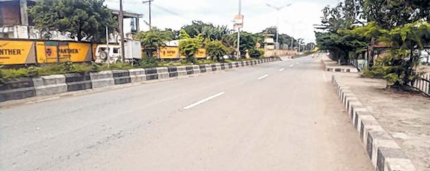 E-front-__-13-hrs-bandh-affects-normal-life-in-Manipur