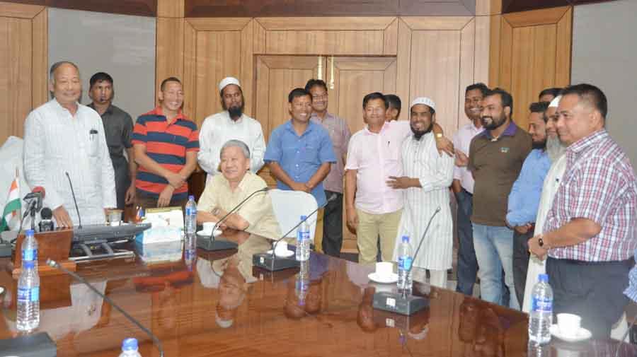 net_cm_meeting_wing_nungei_people