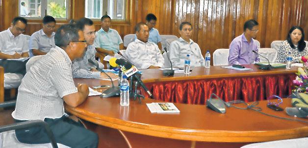E-Front-Chief-secretary-speaking-on-Aadhar