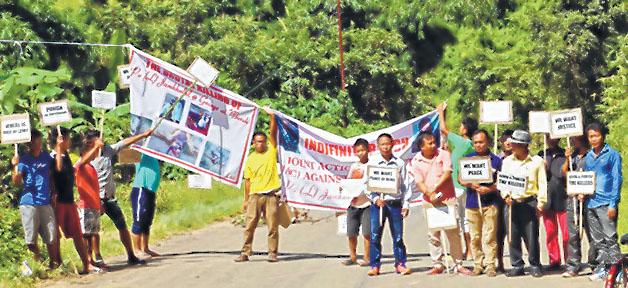 E-Front-__-Imphal-Moreh-road-bandh