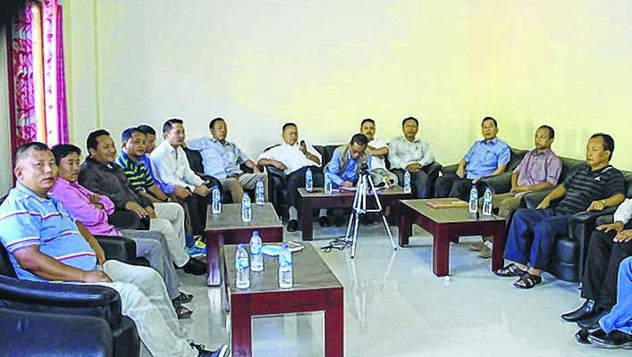 efront-2__cong-councillors-face-heat-707x400