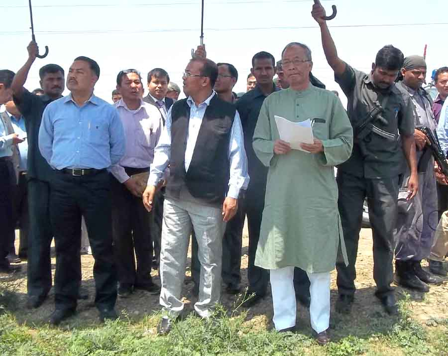 Chief Minister O Ibobi Singh during the inspection tour. Photo credit: IFP