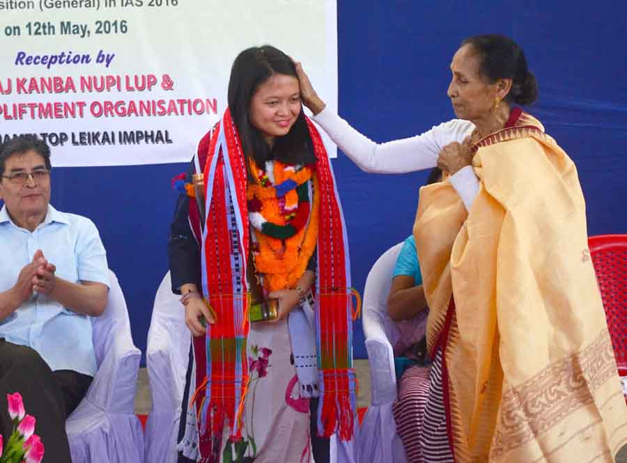 Khumanthem Diana at the felicitation function.