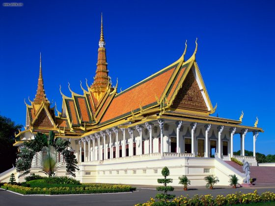 Royal Palace Phnom Penh, Cambodia-wallpaperweb.org